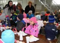 Návštěva partnerské školky v Pernersdorfu dětmi z MŠ a ZŠ Adamov